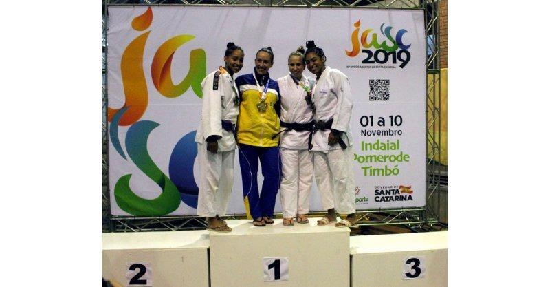 Irmãs Gabrielly e Daphne Diniz conquistam prata e bronze e, pela primeira vez na história, um imbitubense fatura medalha de ouro nos JASC - Portal AHora