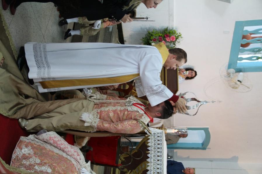 Imperador sendo coroado  Foto: Roni Ronaldo