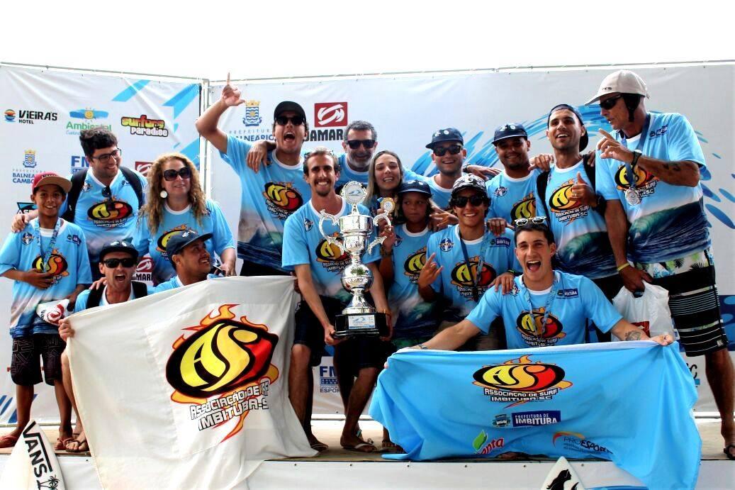 Equipe da Associação Imbitubense de Surf