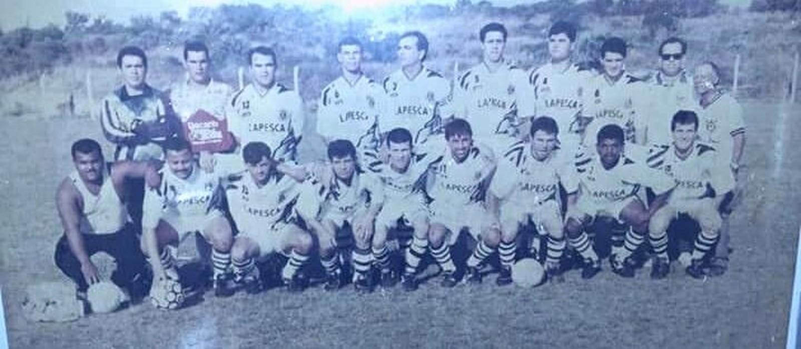 Corinthians da Cabeçuda em 1995 (Foto: Eduardo Ventura/Arquivo Pessoal)