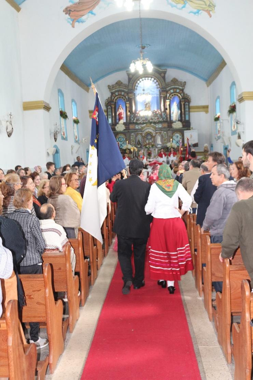 Bandeira do Açores introduzida no cortejo Foto: Roni Ronaldo